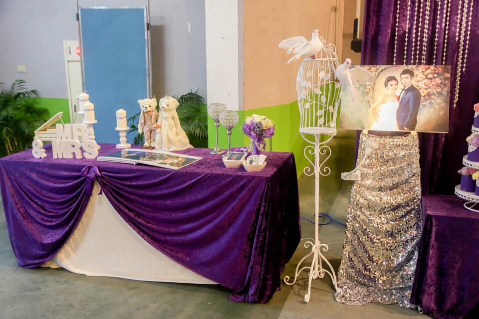 一進入婚禮會場後,映入大家眼中的就是我們為新人精心設計的婚禮佈置,是不是很浪漫呢!!