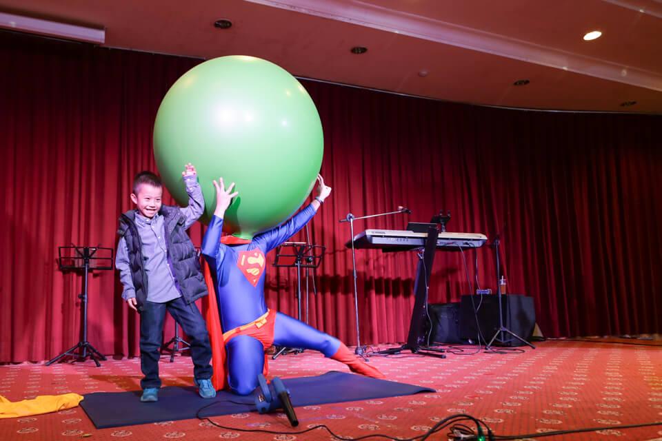 說到氣球,各位有看過這麼大顆的氣球嗎