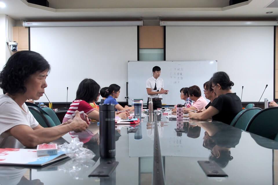 學員有不懂的地方老師都會個別細心指導