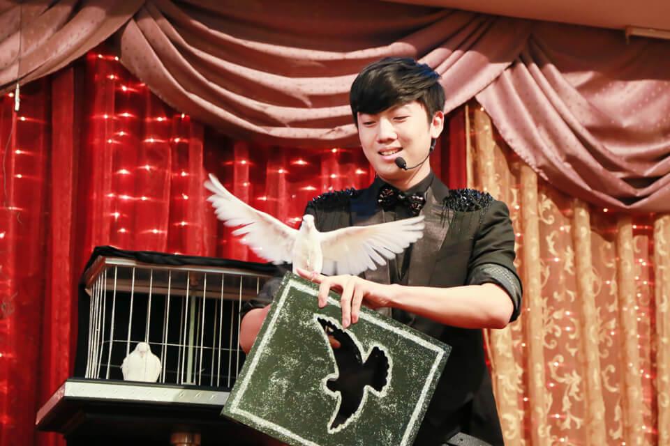 米爾可的魔術師-查尼受邀前往國泰人壽晚宴擔任特別嘉賓