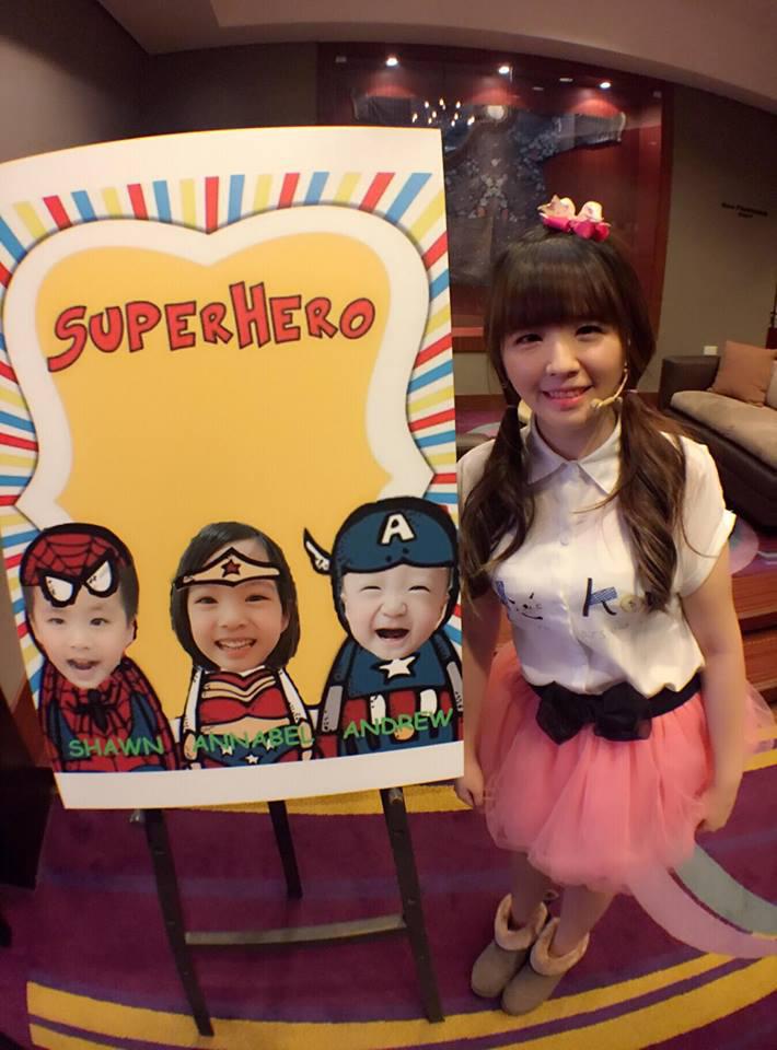 這是小美女壽星Annable第三年找米爾可魔術表演團隊慶生囉!