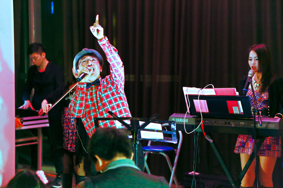 惠宇清寬社區要舉辦聖誕晚會啦~米爾可魔術表演團隊已經準備好炒熱現場氣氛啦!