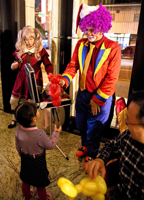 小丑哥哥超受小朋友歡迎的呀