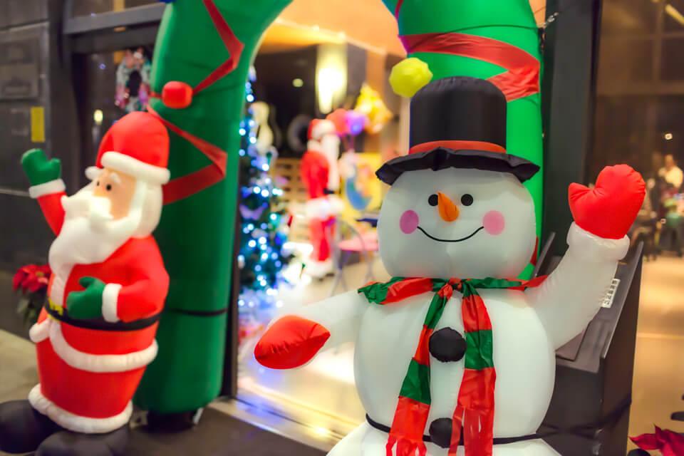 看到雪人跟聖誕老人就會聯想到什麼?就是歡樂的聖誕晚會啦!!