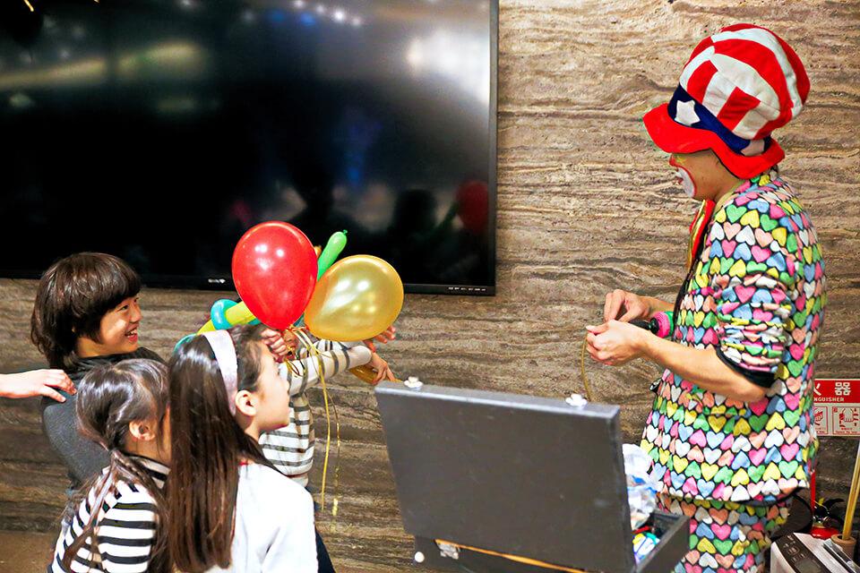 小丑表演時間