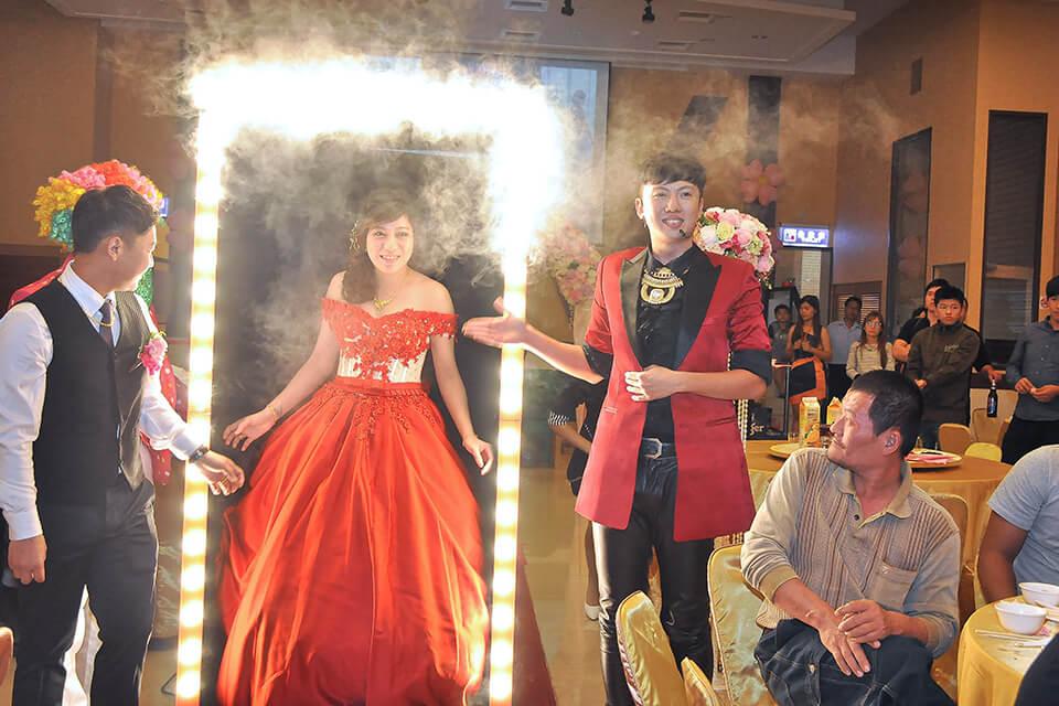 魔術師讓婚禮更掀高潮