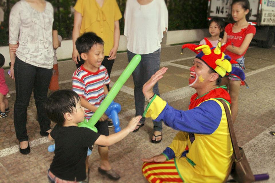 最後來個小丑先生造型氣球大放送