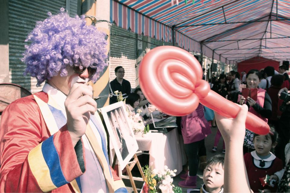 安排迎賓氣球小丑在門口,讓賓客一來到現場就能感到非常新鮮!