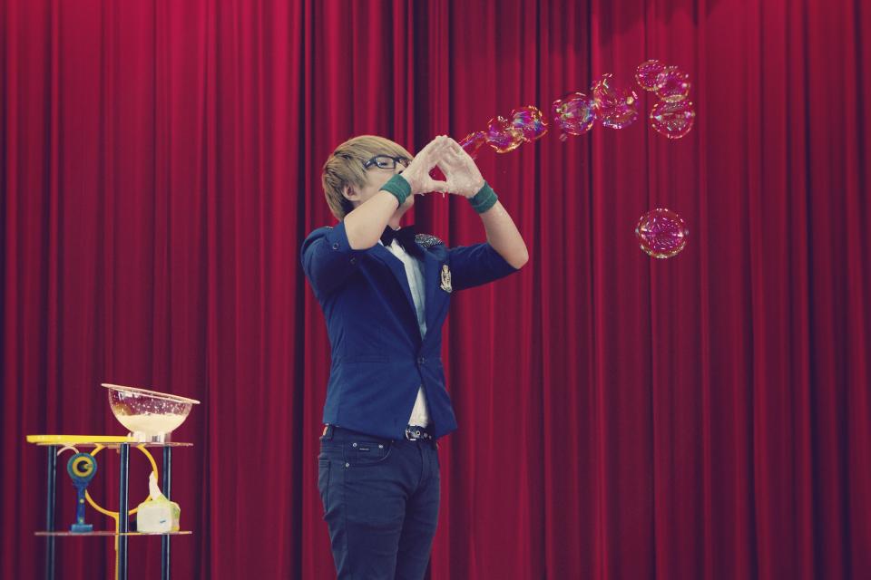 看這個泡中泡就非常酷