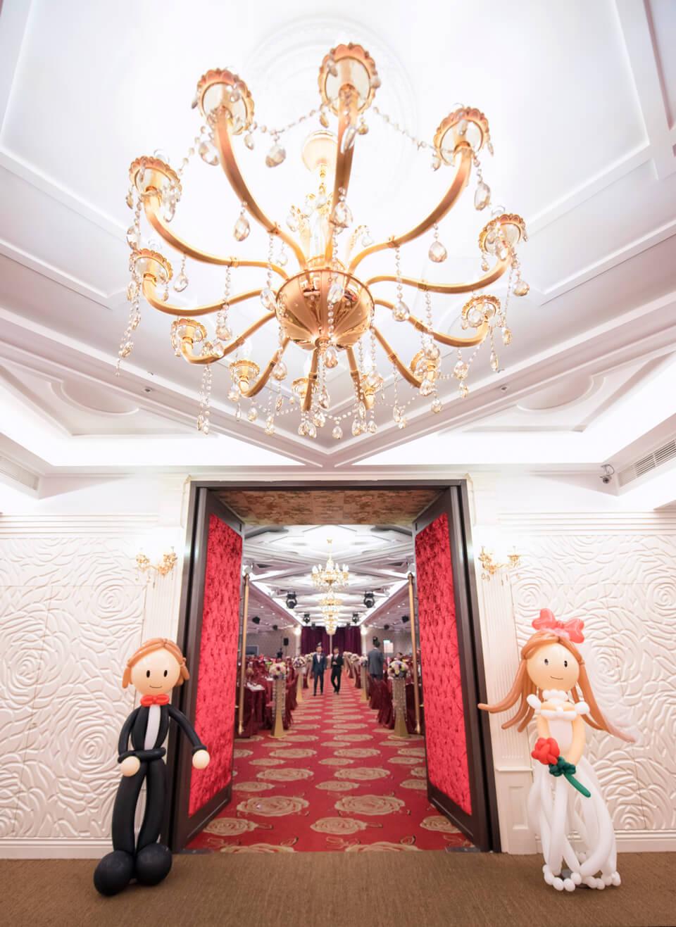 一比一等身人型的精緻氣球,讓走進會場的賓客非常驚喜呢