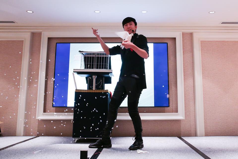 說到表演不能不提的就是米爾可招牌魔術表演秀