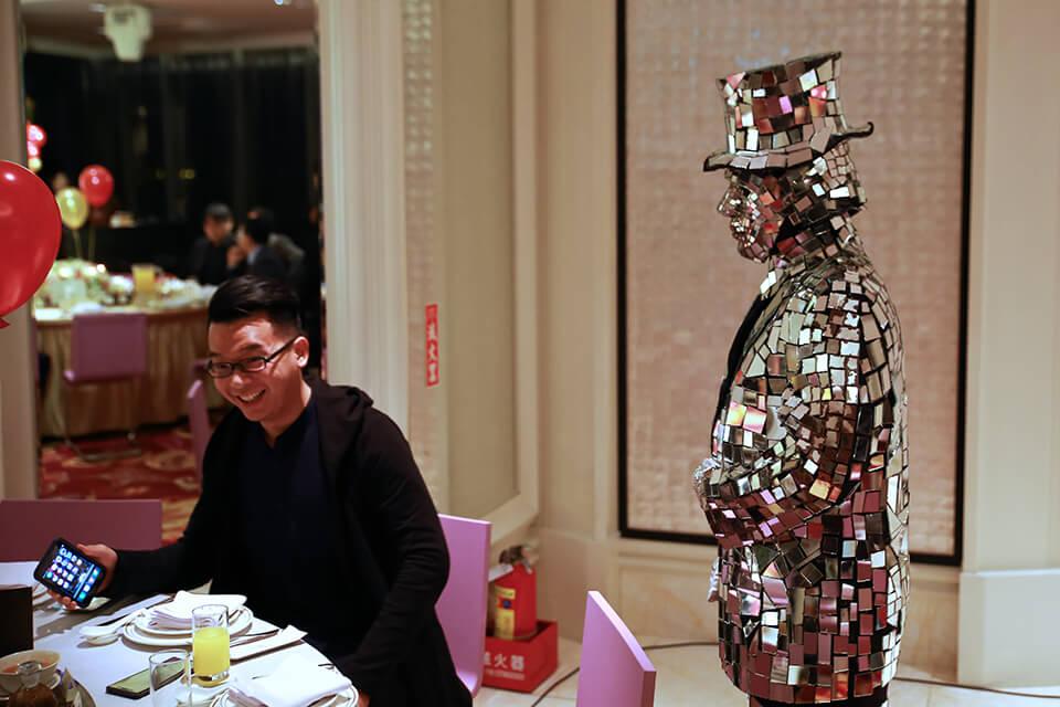 仲昌通訊魔術表演、三人樂團、行動雕像、會場佈置、川劇變臉