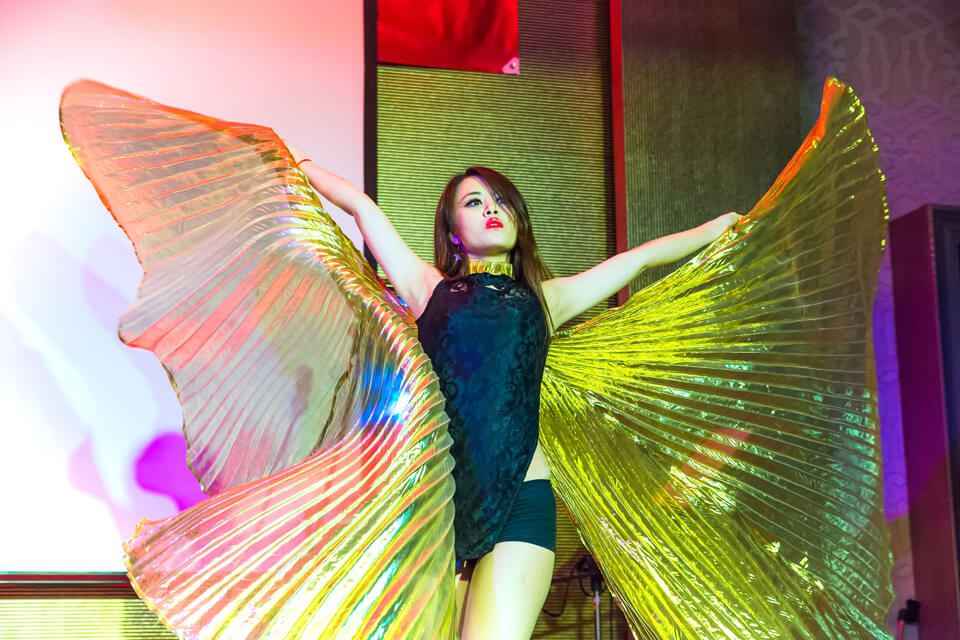 漢鐘精機尾牙熱舞演出、樂團演出、活動主持、魔術表演、人入氣球