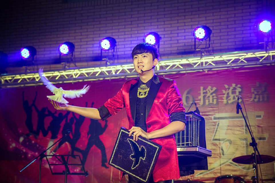 伸興工業搖滾尾牙宴-辣妹熱舞表演、尾牙魔術表演、跳加官