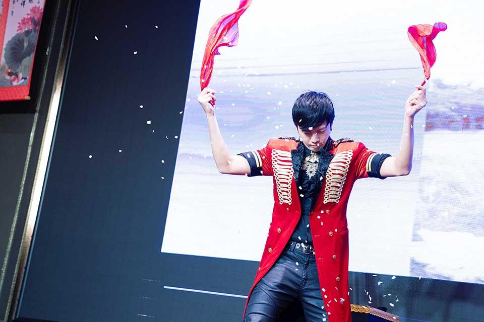 陳府林府新竹范廚師80桌婚禮企劃:樂團表演、魔術秀、川劇變臉、小丑氣球